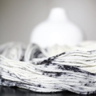 dalmatian-speckles-dandelion-yarns-2